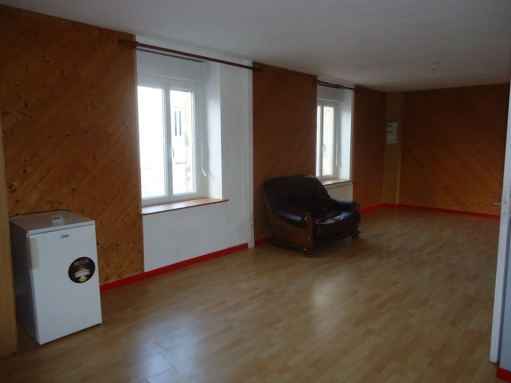 Appartement à louer 1 55m2 à Rostrenen vignette-5