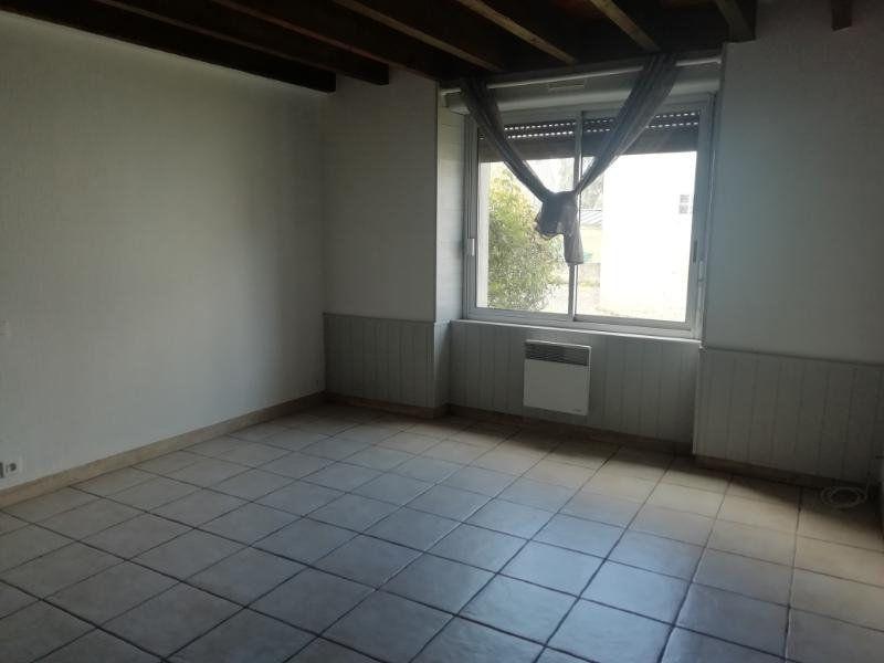Appartement à louer 1 22m2 à Carhaix-Plouguer vignette-2