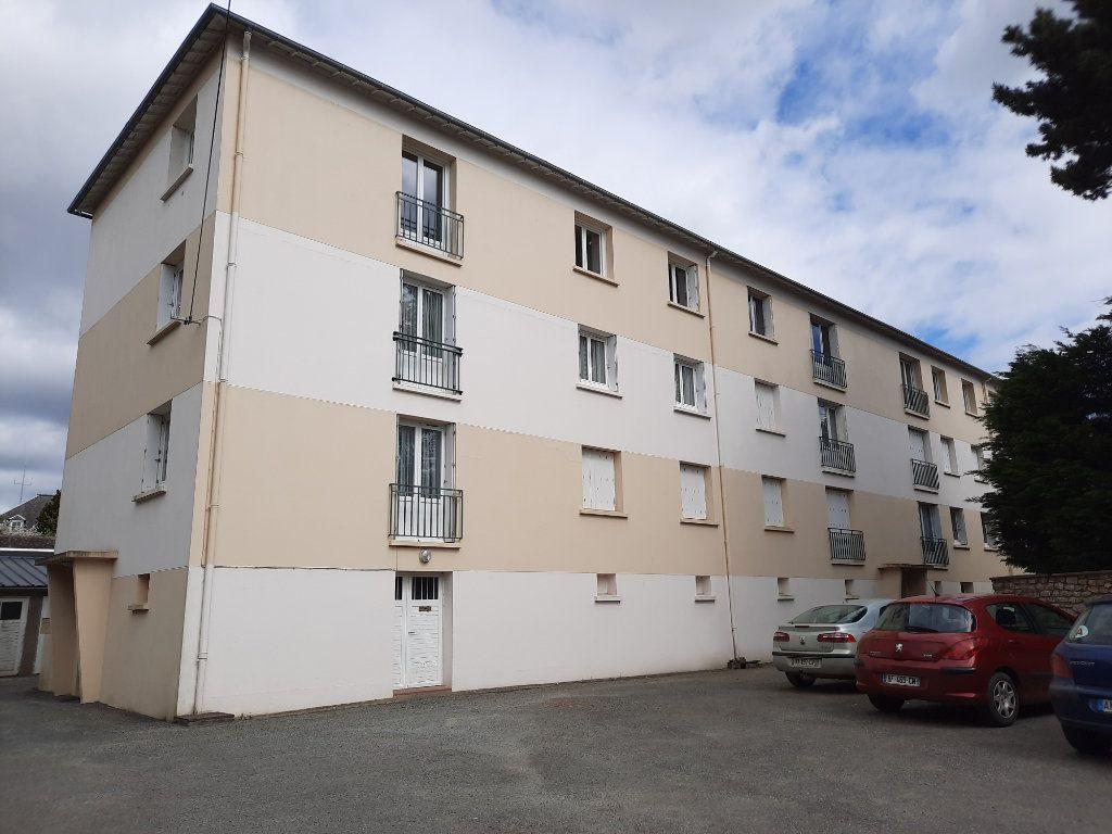 Appartement à vendre 4 66.68m2 à Guingamp vignette-1