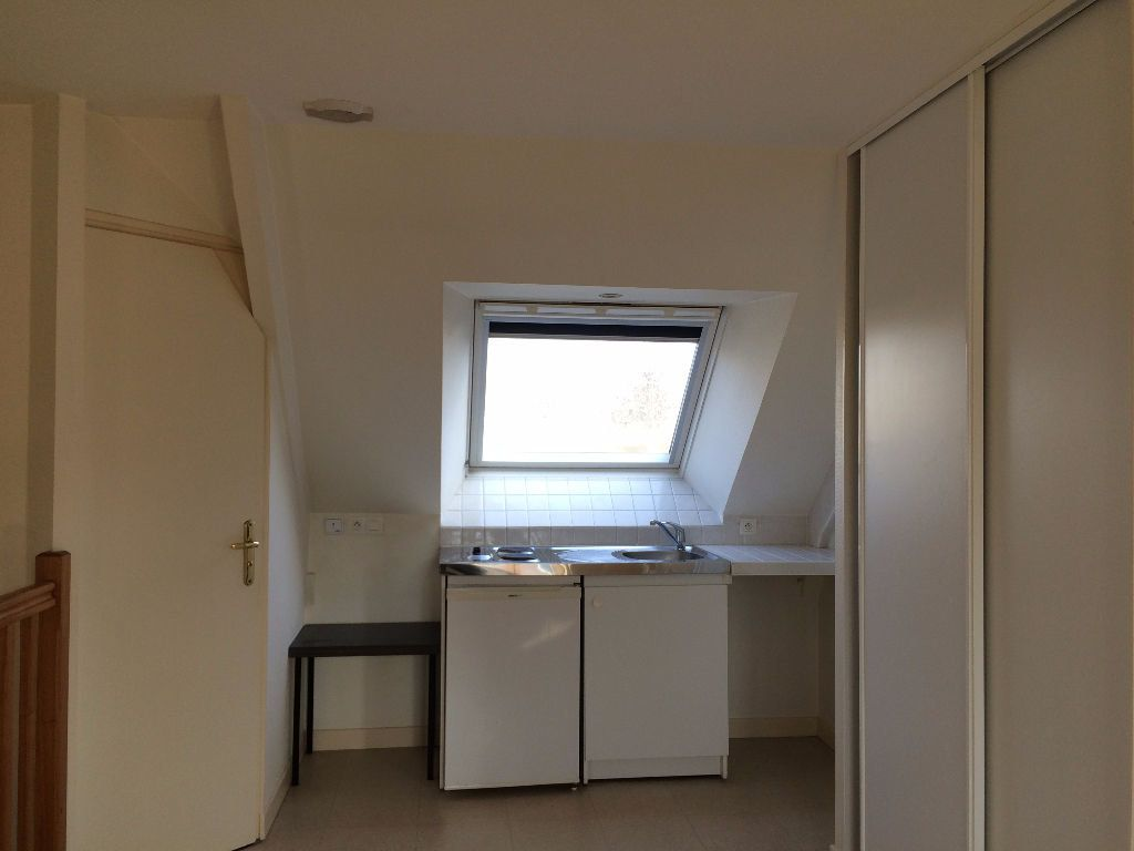 Appartement à louer 1 24m2 à Guingamp vignette-4