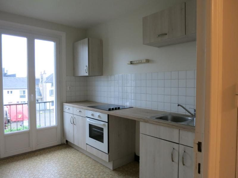 Appartement à louer 2 47m2 à Carhaix-Plouguer vignette-2