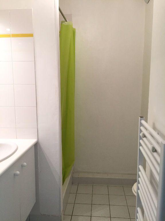 Appartement à louer 1 19.59m2 à Saint-Agathon vignette-3