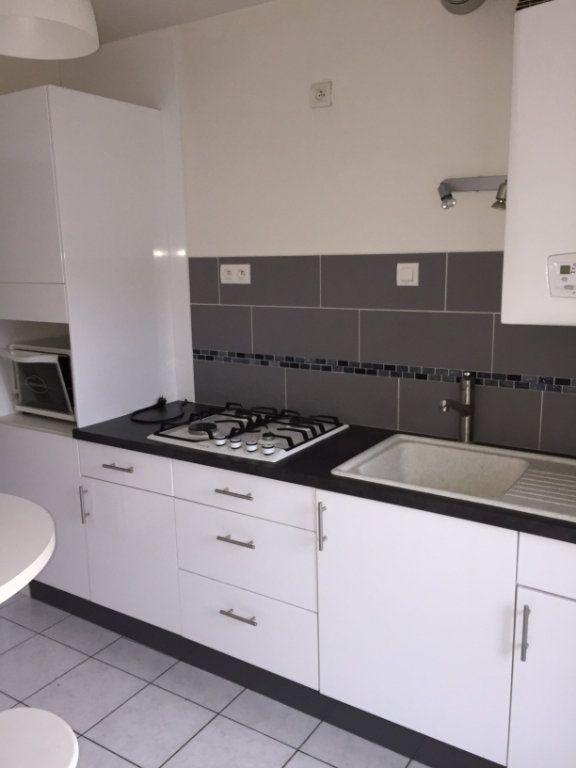 Appartement à vendre 3 60m2 à Guingamp vignette-2