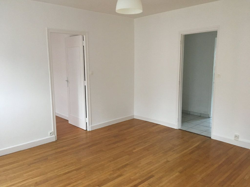 Appartement à vendre 3 60m2 à Guingamp vignette-4