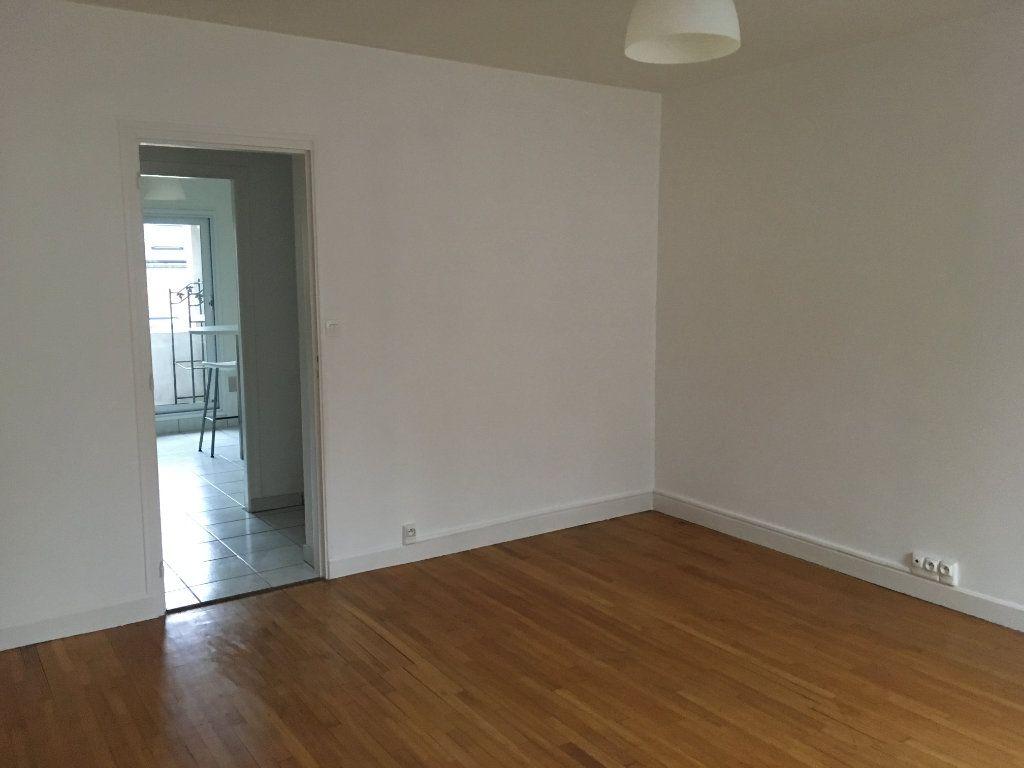 Appartement à vendre 3 60m2 à Guingamp vignette-5