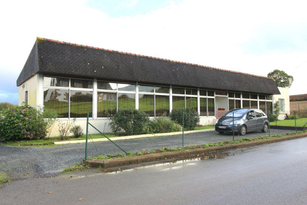 Maison à vendre 8 168m2 à Carhaix-Plouguer vignette-1