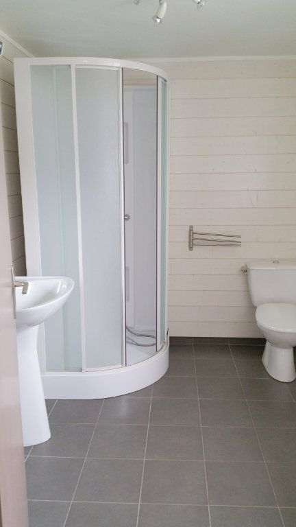 Appartement à louer 2 30m2 à Guingamp vignette-5