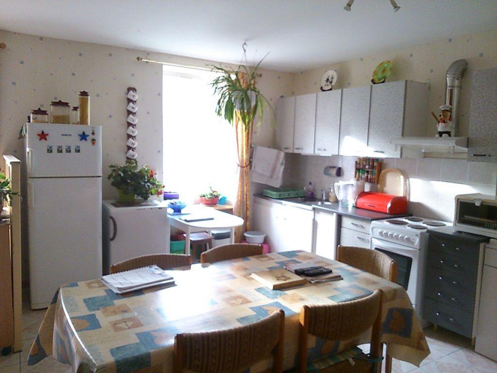 Maison à vendre 3 64m2 à Bourbriac vignette-2
