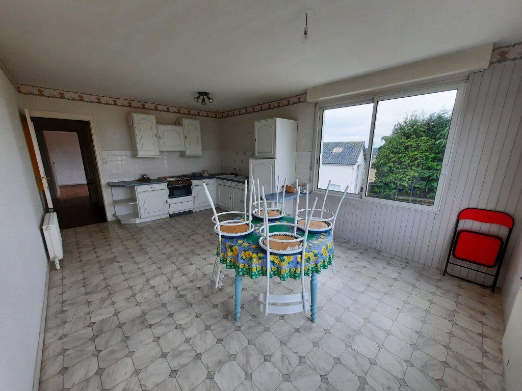 Maison à vendre 6 107.37m2 à Carhaix-Plouguer vignette-4