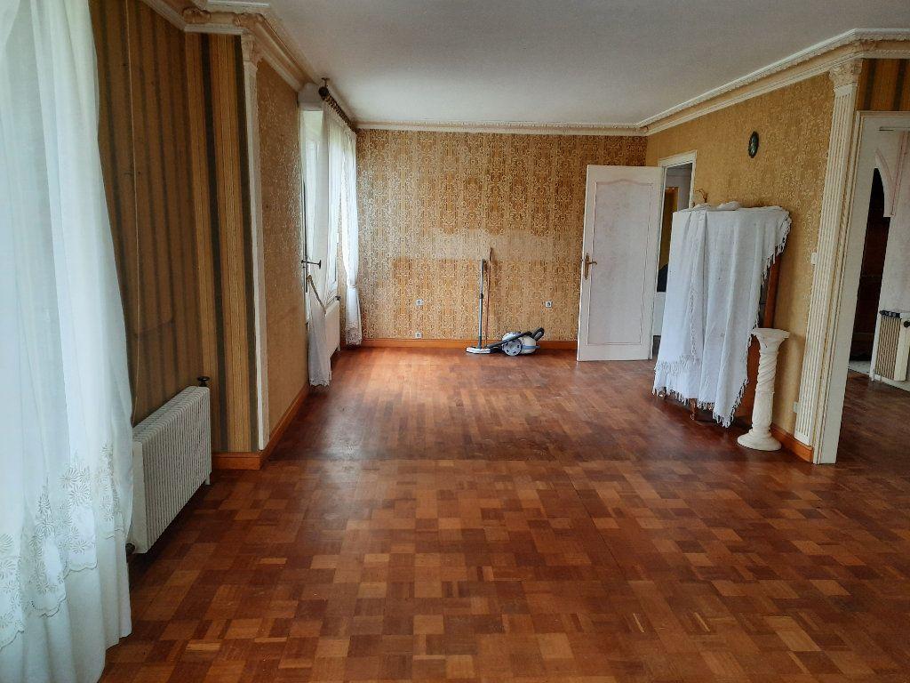 Maison à vendre 6 107.37m2 à Carhaix-Plouguer vignette-5