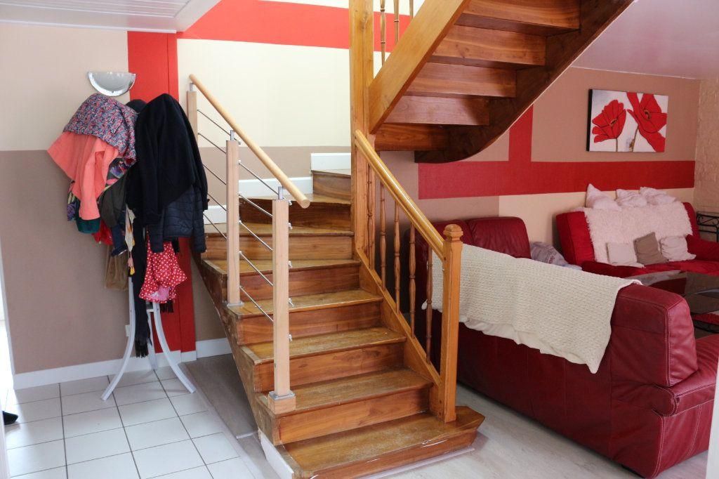 Maison à vendre 9 175m2 à Rostrenen vignette-3
