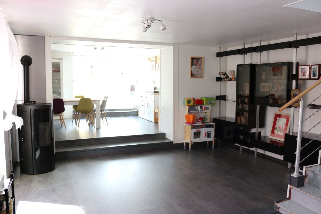 Maison à vendre 9 175m2 à Rostrenen vignette-9