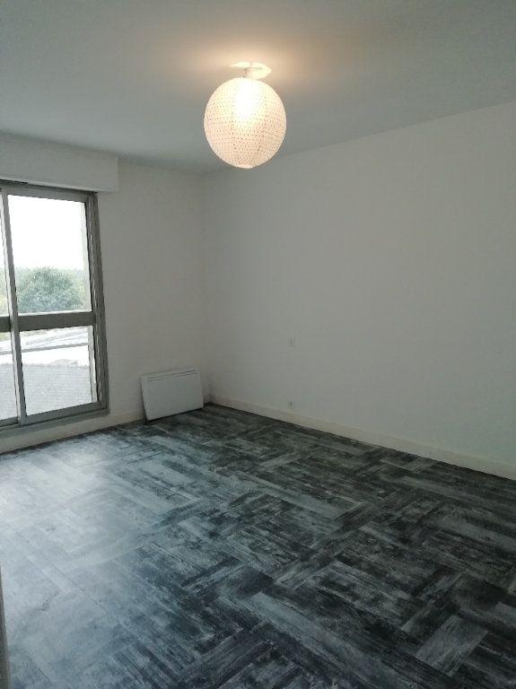 Appartement à louer 2 60.75m2 à Rostrenen vignette-3