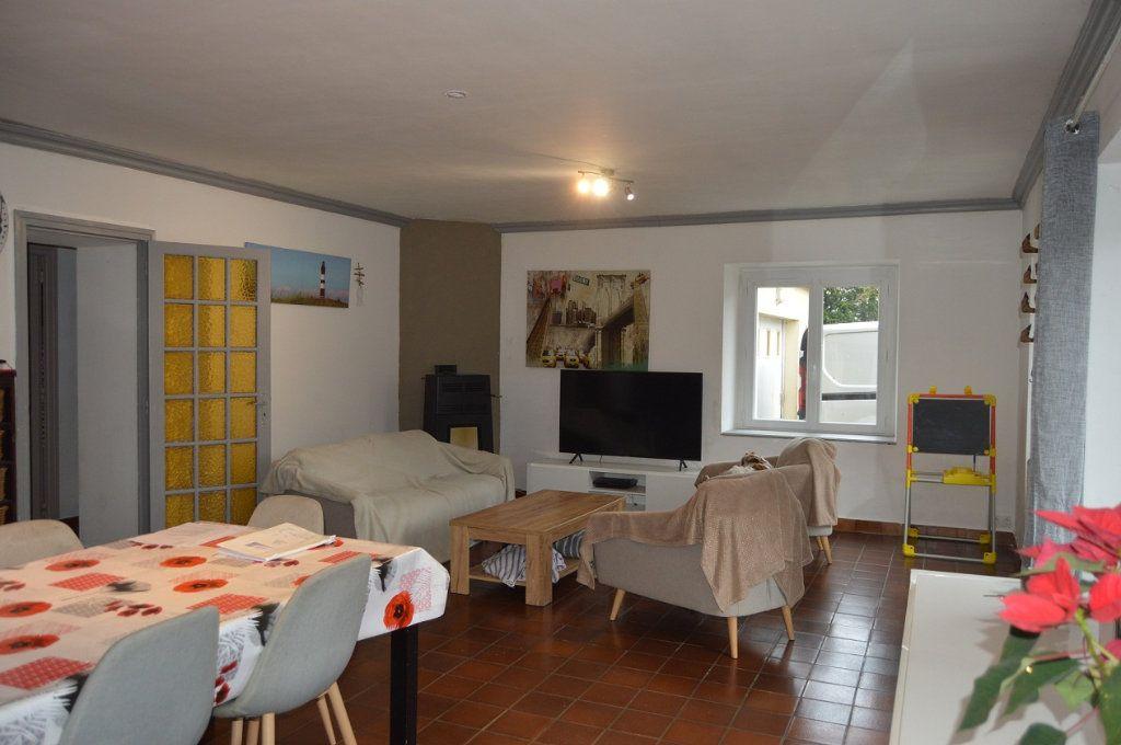Maison à vendre 6 100.84m2 à Perret vignette-2