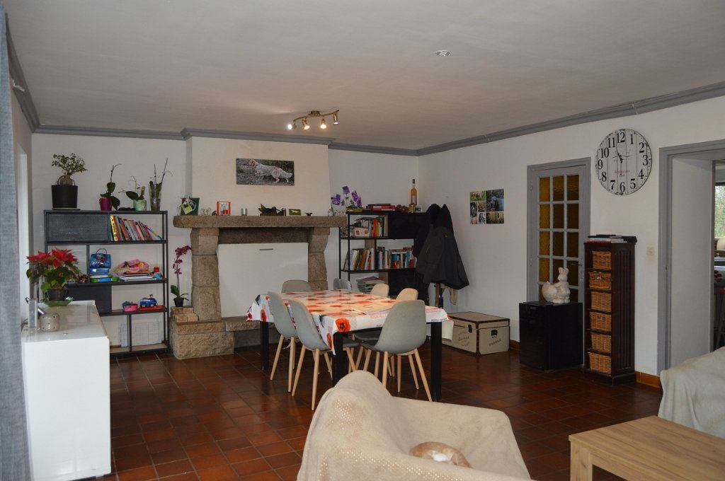 Maison à vendre 6 100.84m2 à Perret vignette-3