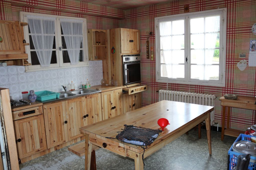 Maison à vendre 7 113.3m2 à Rostrenen vignette-3