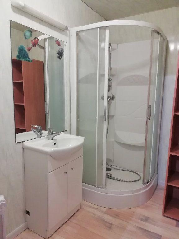 Appartement à louer 4 83.67m2 à Carhaix-Plouguer vignette-4