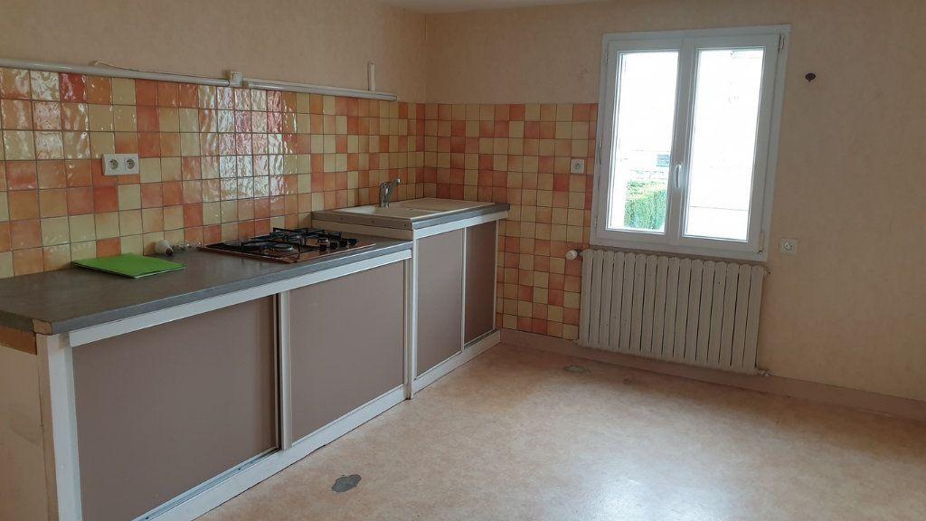 Maison à vendre 10 118m2 à Carhaix-Plouguer vignette-3