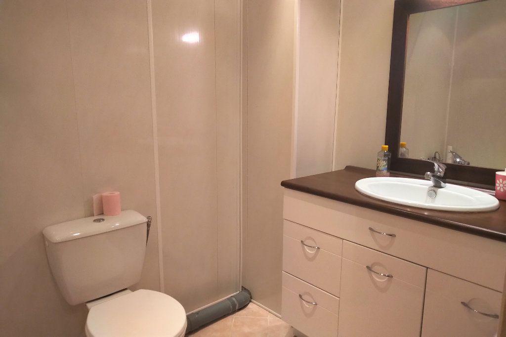 Appartement à vendre 1 41m2 à Carhaix-Plouguer vignette-3