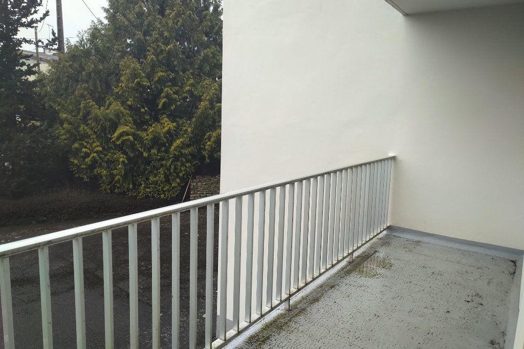 Appartement à vendre 1 41m2 à Carhaix-Plouguer vignette-4