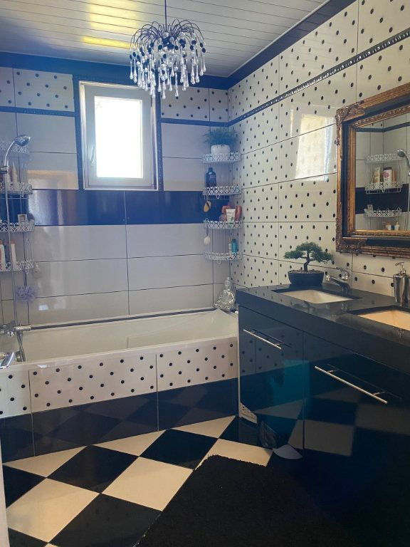 Appartement à vendre 4 123m2 à Carhaix-Plouguer vignette-8