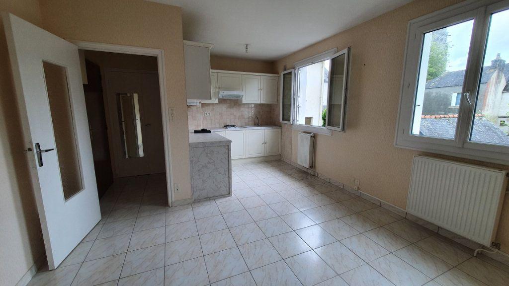 Appartement à vendre 2 42.27m2 à Carhaix-Plouguer vignette-1