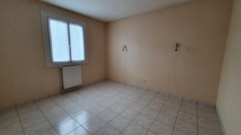 Appartement à vendre 2 42.27m2 à Carhaix-Plouguer vignette-4