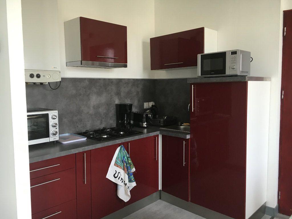 Appartement à louer 2 38.03m2 à Guingamp vignette-1