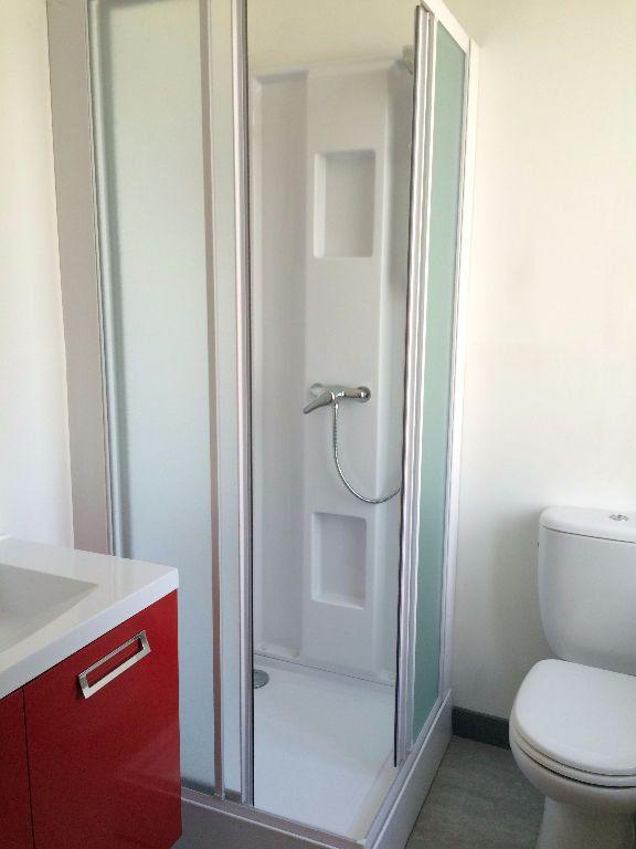 Appartement à louer 2 38.03m2 à Guingamp vignette-6