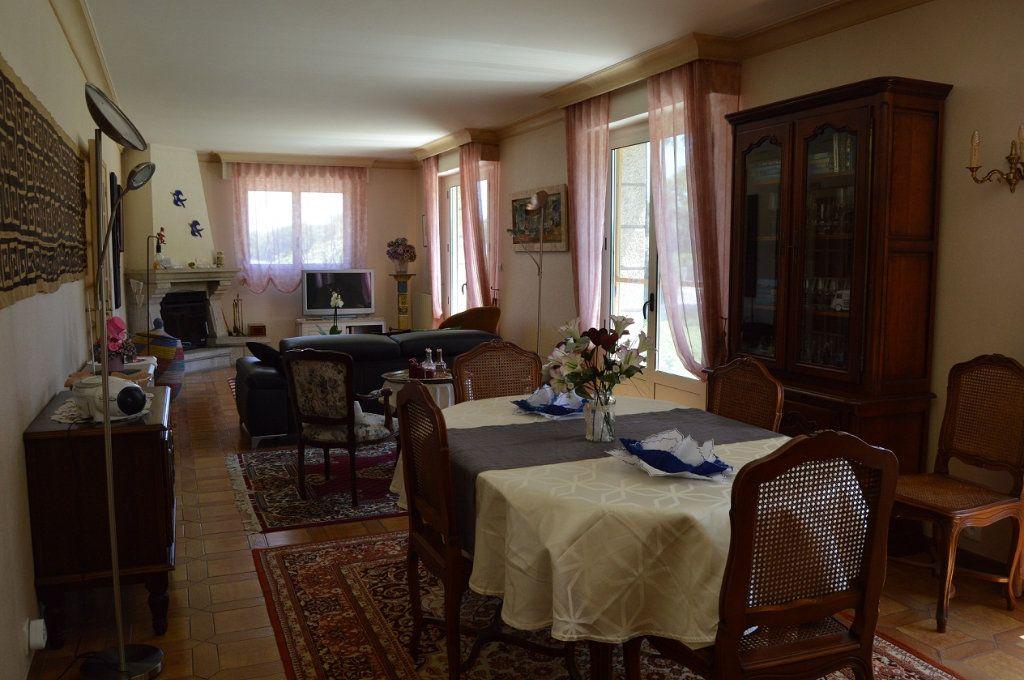 Maison à vendre 8 191m2 à Plouguernével vignette-3