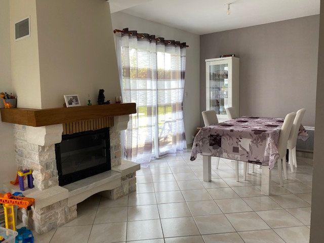 Maison à vendre 6 99m2 à Carhaix-Plouguer vignette-3