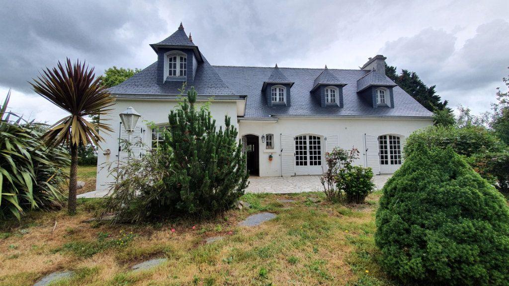 Maison à vendre 7 150m2 à Carhaix-Plouguer vignette-1