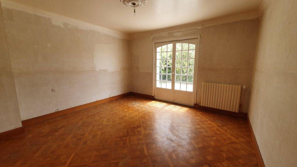 Maison à vendre 7 150m2 à Carhaix-Plouguer vignette-5