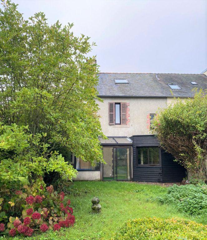 Maison à vendre 8 130m2 à Carhaix-Plouguer vignette-1