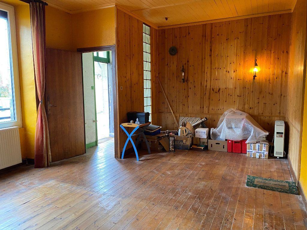 Maison à vendre 8 130m2 à Carhaix-Plouguer vignette-2