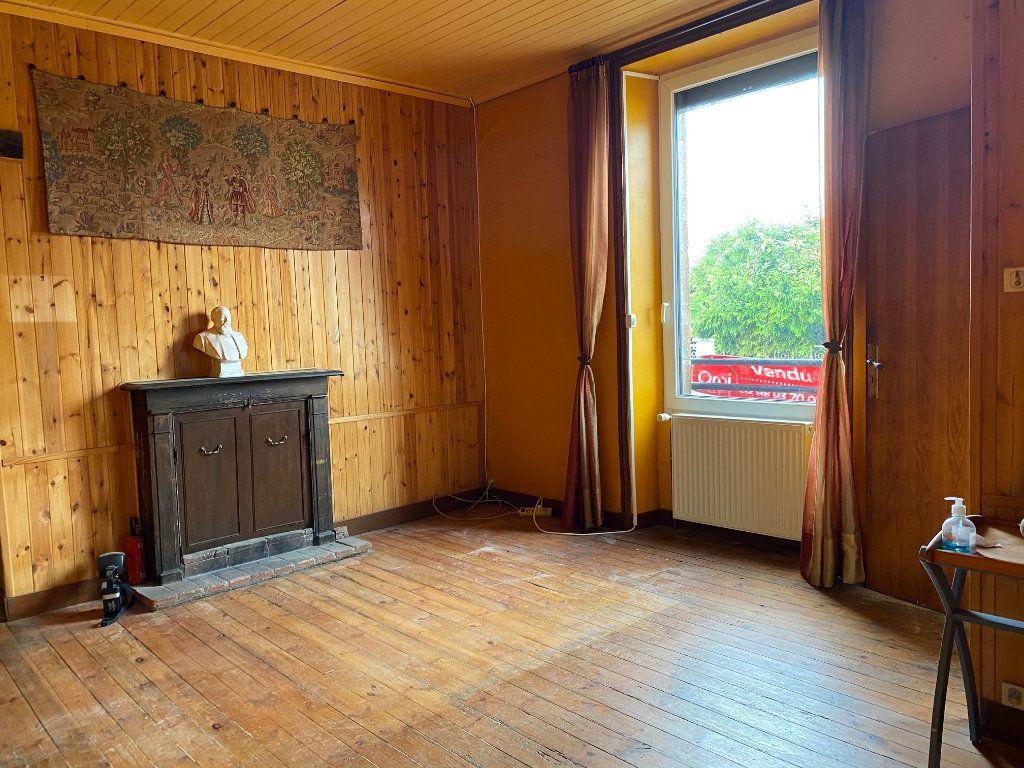Maison à vendre 8 130m2 à Carhaix-Plouguer vignette-3
