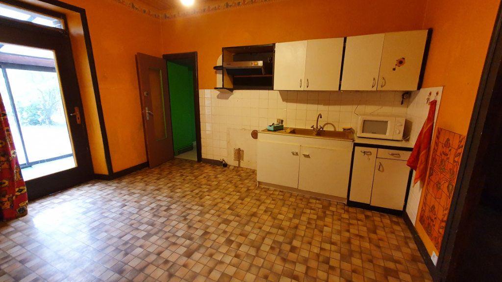 Maison à vendre 8 130m2 à Carhaix-Plouguer vignette-4