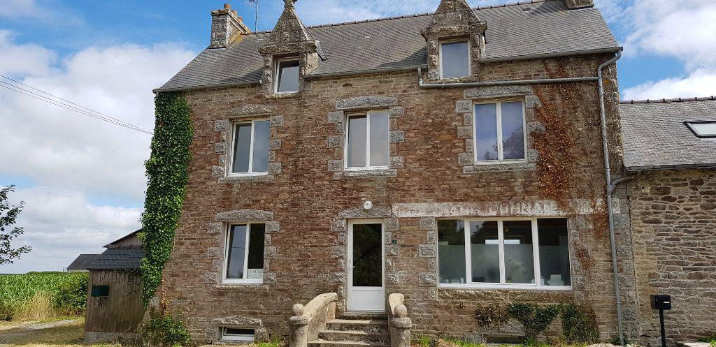Maison à vendre 8 125m2 à Pont-Melvez vignette-1