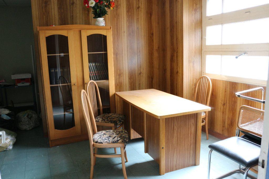 Maison à vendre 7 143m2 à Rostrenen vignette-5