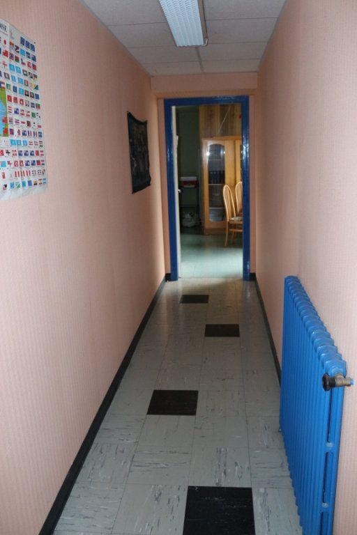 Maison à vendre 7 143m2 à Rostrenen vignette-6