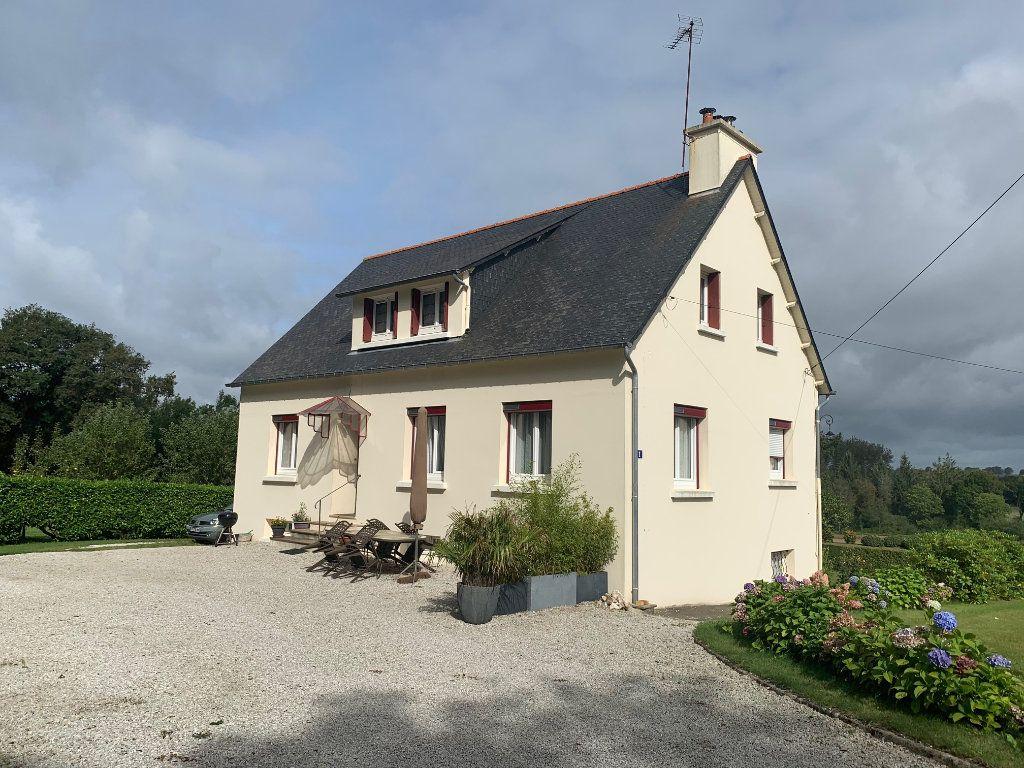 Maison à vendre 7 125m2 à Plouguernével vignette-1