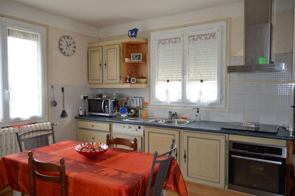 Maison à vendre 7 125m2 à Plouguernével vignette-5