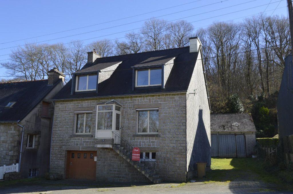 Maison à vendre 6 110m2 à Rostrenen vignette-1