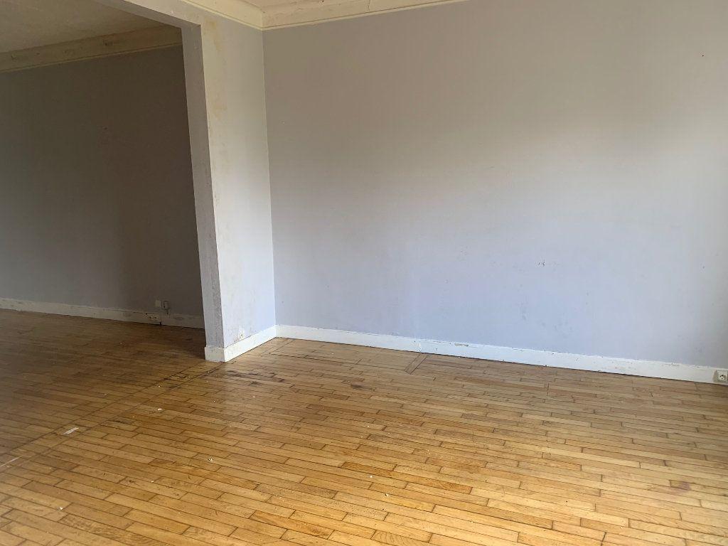 Maison à vendre 6 110m2 à Rostrenen vignette-3