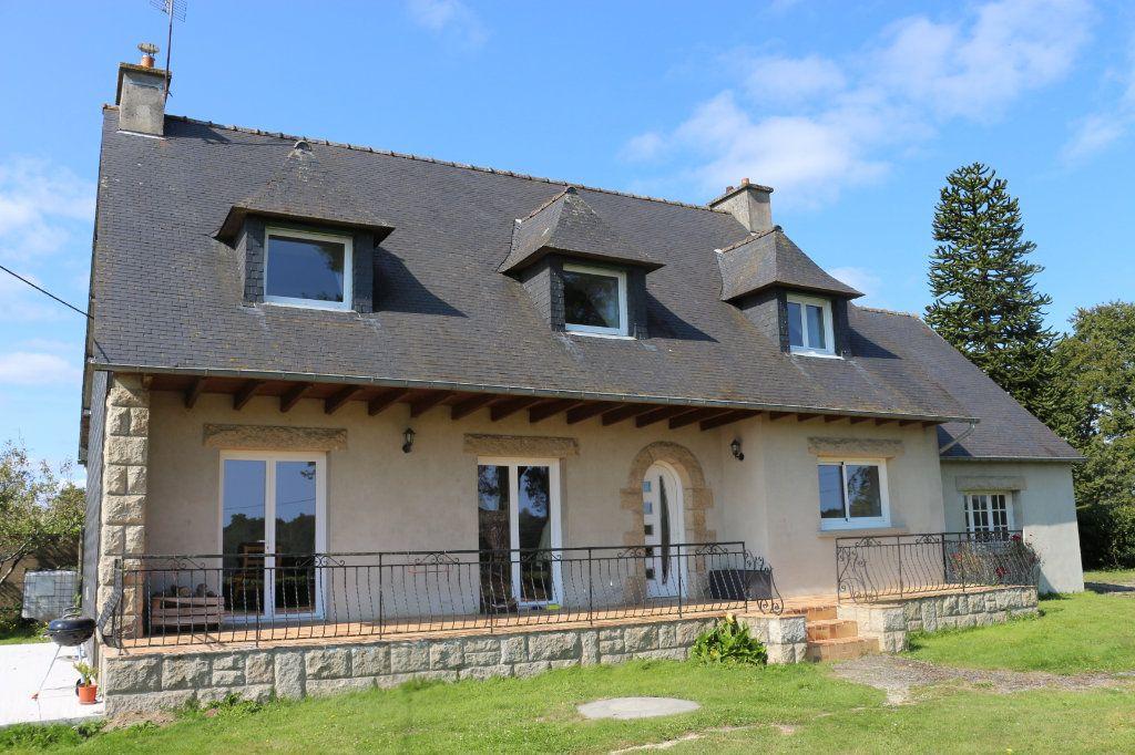 Maison à vendre 6 172m2 à Kergrist-Moëlou vignette-1