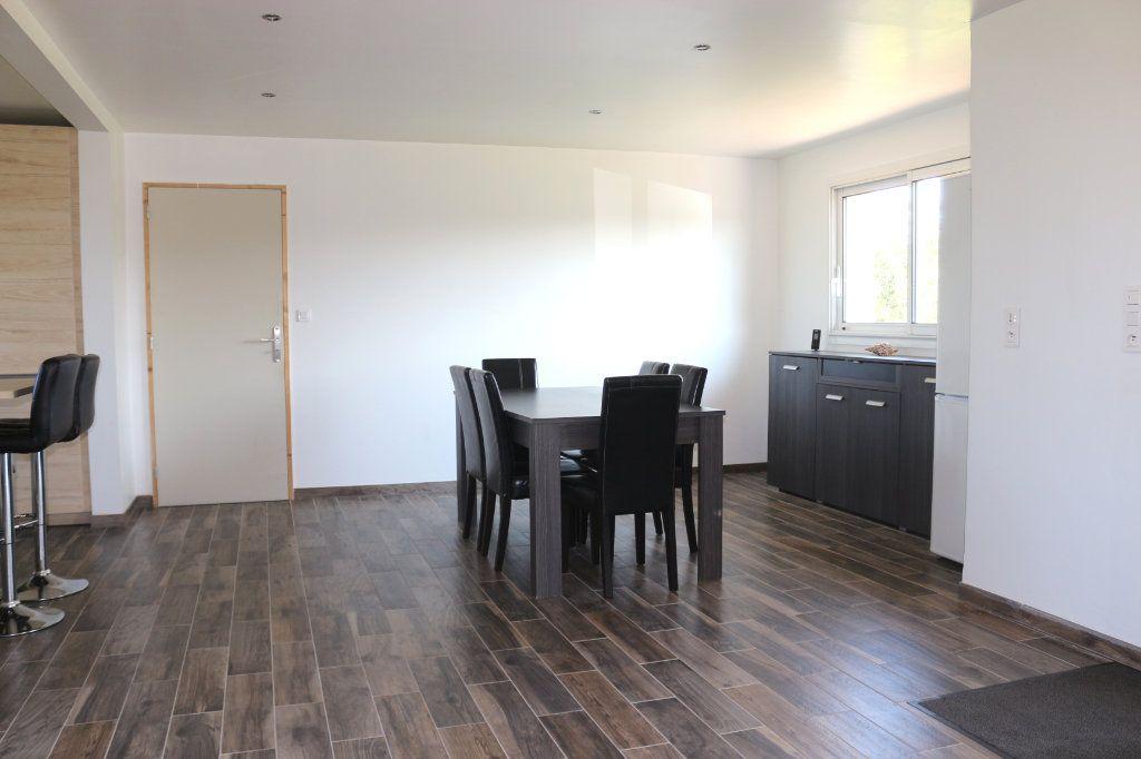 Maison à vendre 6 172m2 à Kergrist-Moëlou vignette-4