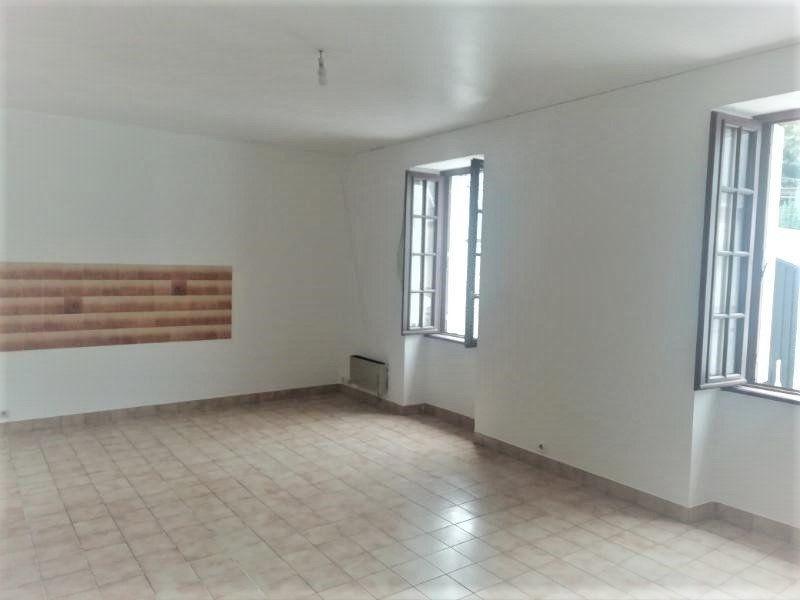 Appartement à louer 3 56m2 à Callac vignette-1