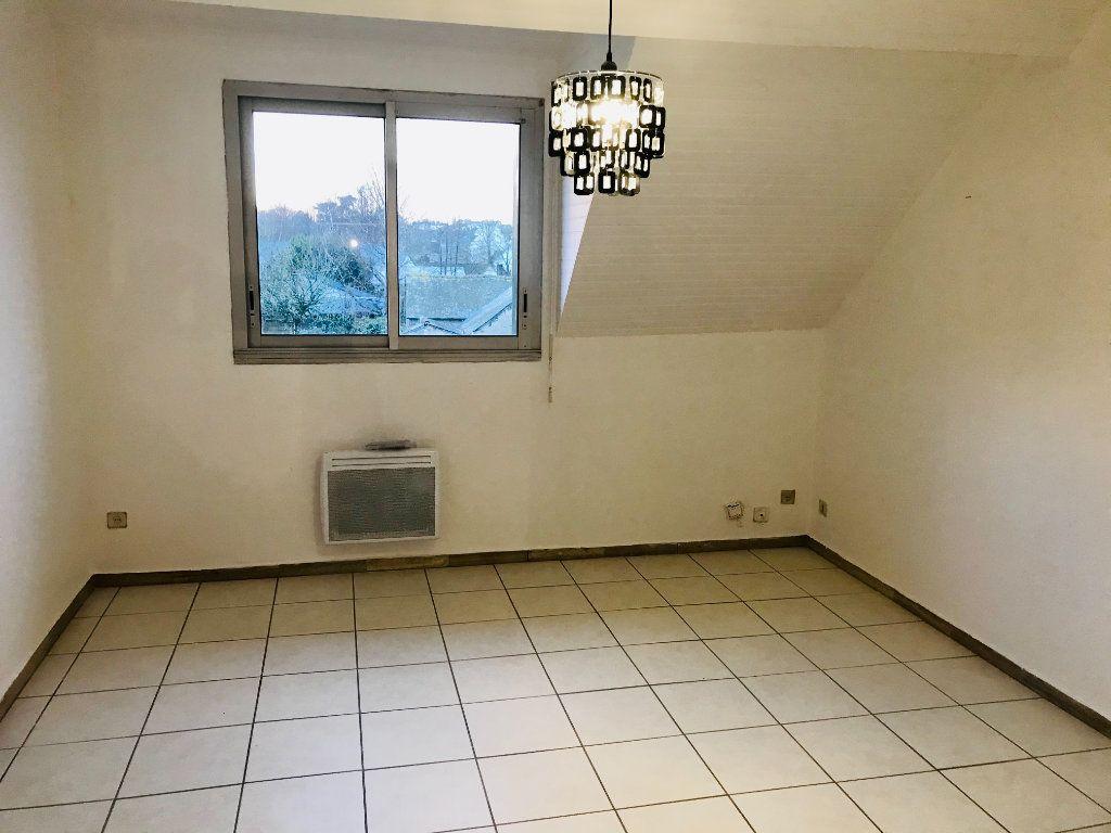 Appartement à louer 3 68.47m2 à Carhaix-Plouguer vignette-4