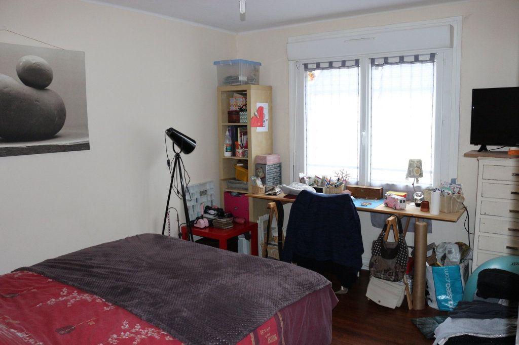 Maison à louer 5 90m2 à Rostrenen vignette-5