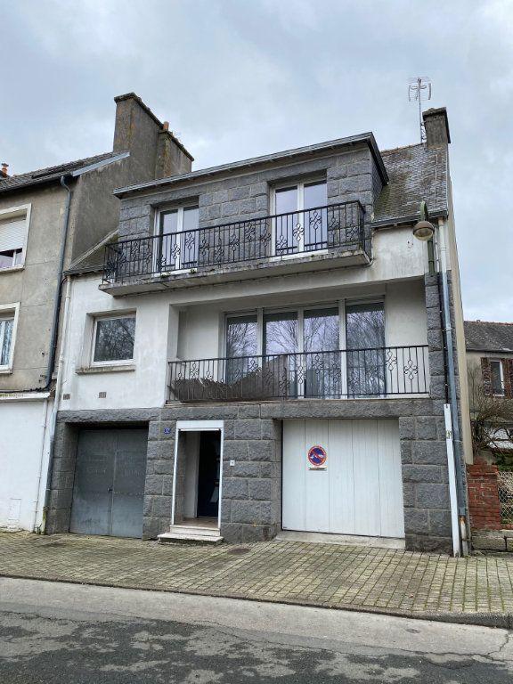Maison à vendre 5 125.6m2 à Carhaix-Plouguer vignette-1